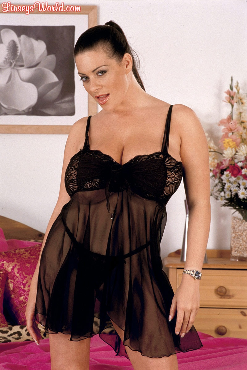 Linsey Dawn McKenzie 'Top Shelf' starring Linsey Dawn McKenzie (Photo 1)