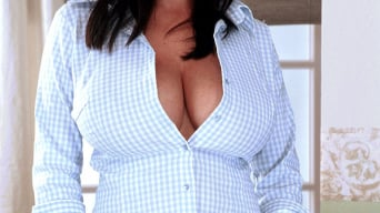 Linsey Dawn McKenzie in 'Topper Popper'