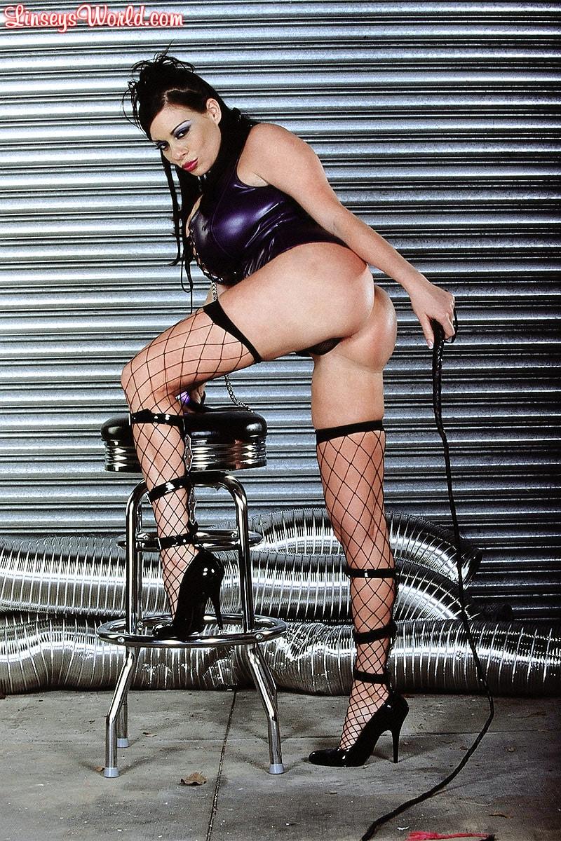Linsey Dawn McKenzie 'Whip It' starring Linsey Dawn McKenzie (Photo 4)