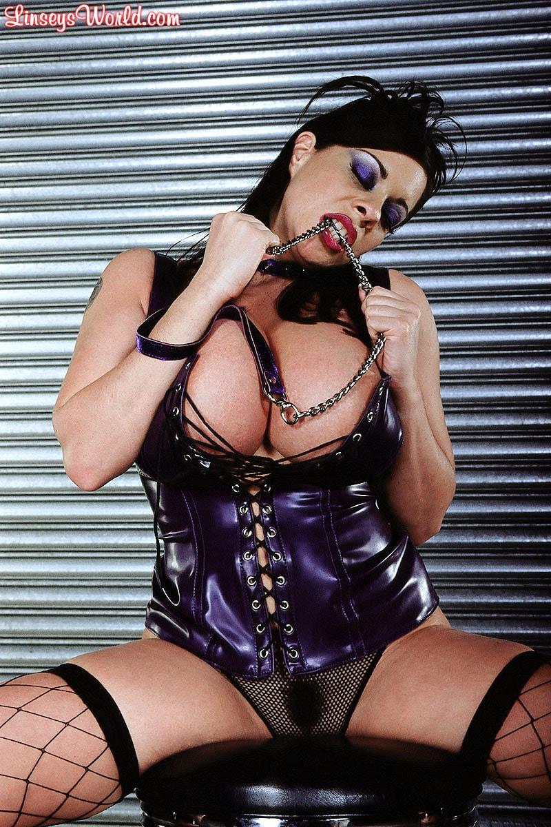 Linsey Dawn McKenzie 'Whip It' starring Linsey Dawn McKenzie (Photo 15)