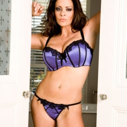 Linsey Dawn McKenzie in 'Linsey Dawn McKenzie' Killer Lingerie And Heels (Thumbnail 4)