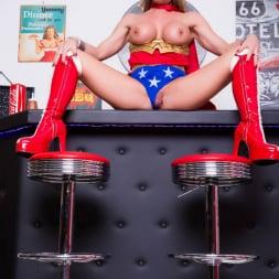 Lynda Leigh in 'Lynda Leigh' Horny Superhero (Thumbnail 5)