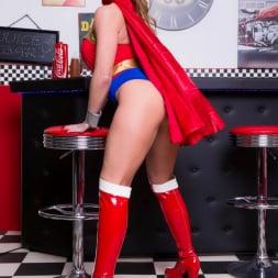 Lynda Leigh in 'Lynda Leigh' Horny Superhero (Thumbnail 17)