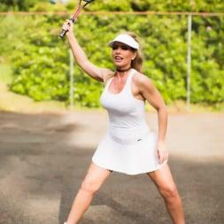 Lynda Leigh in 'Lynda Leigh' New Balls Please (Thumbnail 2)