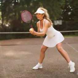 Lynda Leigh in 'Lynda Leigh' New Balls Please (Thumbnail 3)