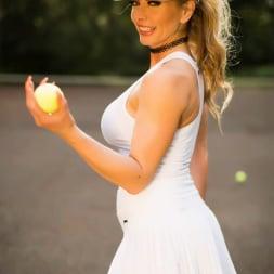 Lynda Leigh in 'Lynda Leigh' New Balls Please (Thumbnail 7)