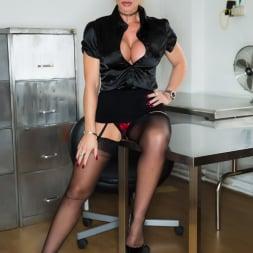 Lynda Leigh in 'Lynda Leigh' Office Pervert JOI (Thumbnail 3)