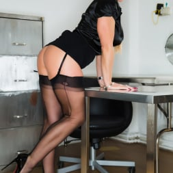 Lynda Leigh in 'Lynda Leigh' Office Pervert JOI (Thumbnail 7)