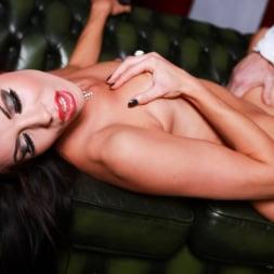 Megan Coxxx in 'Daring Sex' Hotel Voyeur (Thumbnail 13)
