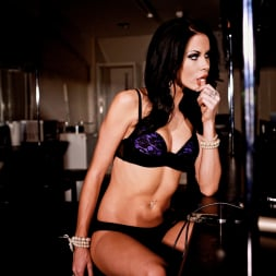 Megan Coxxx in 'Daring Sex' The Velvet Lounge (Thumbnail 1)