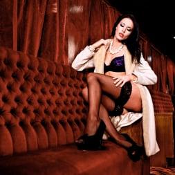 Megan Coxxx in 'Daring Sex' The Velvet Lounge (Thumbnail 3)