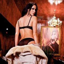 Megan Coxxx in 'Daring Sex' The Velvet Lounge (Thumbnail 5)