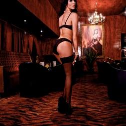 Megan Coxxx in 'Daring Sex' The Velvet Lounge (Thumbnail 6)