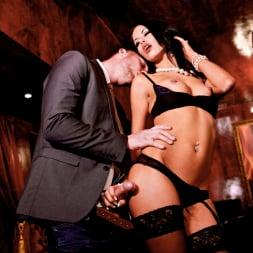 Megan Coxxx in 'Daring Sex' The Velvet Lounge (Thumbnail 8)