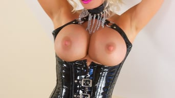 Michelle Thorne in 'Oily Big Tit Wank'
