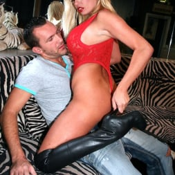 Michelle Thorne in 'Michelle Thorne' Strip Club Anal (Thumbnail 2)