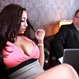 Porcha Sins in 'Daring Sex' Addiction (Thumbnail 3)