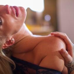 Rebecca More in 'Daring Sex' Milf Mayhem (Thumbnail 8)