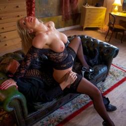 Rebecca More in 'Daring Sex' Milf Mayhem (Thumbnail 9)
