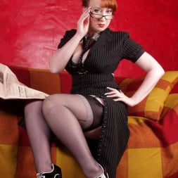 Red XXX in 'Red XXX' Banker (Thumbnail 6)