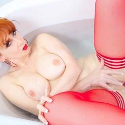 Red XXX in 'Red XXX' Bath (Thumbnail 15)