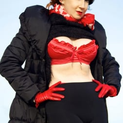 Red XXX in 'Red XXX' Country Red (Thumbnail 2)