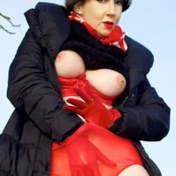 Red XXX in 'Red XXX' Country Red (Thumbnail 8)