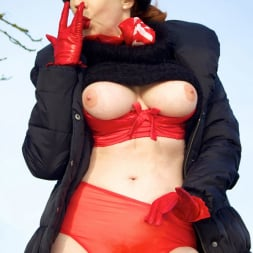 Red XXX in 'Red XXX' Country Red (Thumbnail 9)