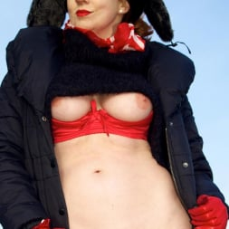 Red XXX in 'Red XXX' Country Red (Thumbnail 14)