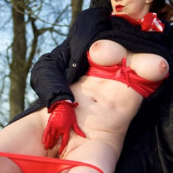 Red XXX in 'Red XXX' Country Red (Thumbnail 17)