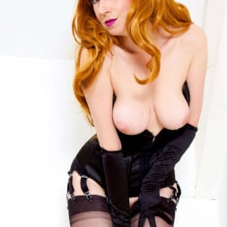 Red XXX in 'Red XXX' Cum With Me (Thumbnail 4)