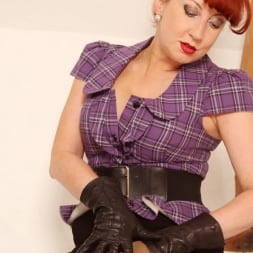 Red XXX in 'Red XXX' FF Stockings (Thumbnail 3)