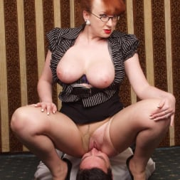 Red XXX in 'Red XXX' Face Sitting (Thumbnail 17)