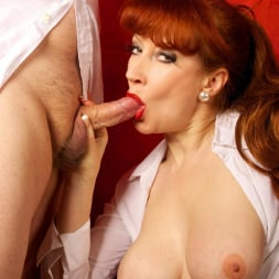 Red XXX in 'Red XXX' Getting An Eyeful (Thumbnail 13)