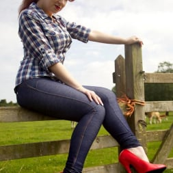 Red XXX in 'Red XXX' Jeans (Thumbnail 3)