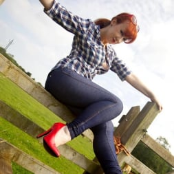 Red XXX in 'Red XXX' Jeans (Thumbnail 4)