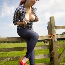 Red XXX in 'Red XXX' Jeans (Thumbnail 5)