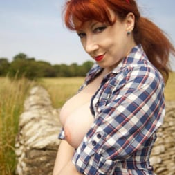 Red XXX in 'Red XXX' Jeans (Thumbnail 11)