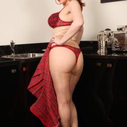 Red XXX in 'Red XXX' Kitchen 2 (Thumbnail 4)
