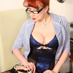 Red XXX in 'Red XXX' Office (Thumbnail 7)