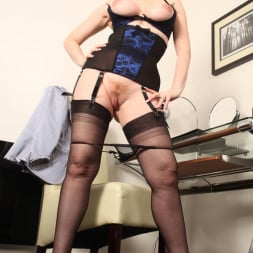 Red XXX in 'Red XXX' Office (Thumbnail 11)