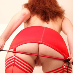 Red XXX in 'Red XXX' Red Crop (Thumbnail 3)