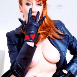 Red XXX in 'Red XXX' Red Mistress (Thumbnail 16)