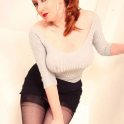 Red XXX in 'Red XXX' Silver Sweater (Thumbnail 5)