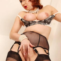 Red XXX in 'Red XXX' String of Pearls (Thumbnail 15)