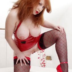 Red XXX in 'Red XXX' Suckers (Thumbnail 5)