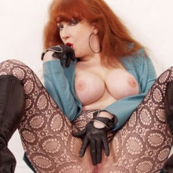 Red XXX in 'Red XXX' Turquoise (Thumbnail 6)