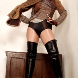 Red XXX in 'Red XXX' Tweed (Thumbnail 1)