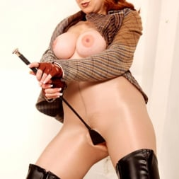 Red XXX in 'Red XXX' Tweed (Thumbnail 15)