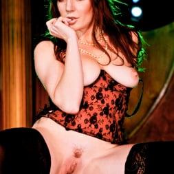 Samantha Bentley in 'Daring Sex' The Velvet Lounge (Thumbnail 5)
